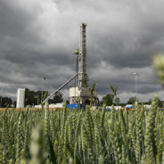 Labour seeks to tighten UK shale gas rules